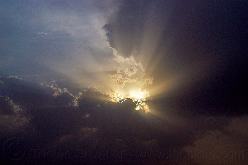 crepuscular rays - sky with clouds and sun rays, clouds, cloudy, crepuscular rays, silverlining, sun rays
