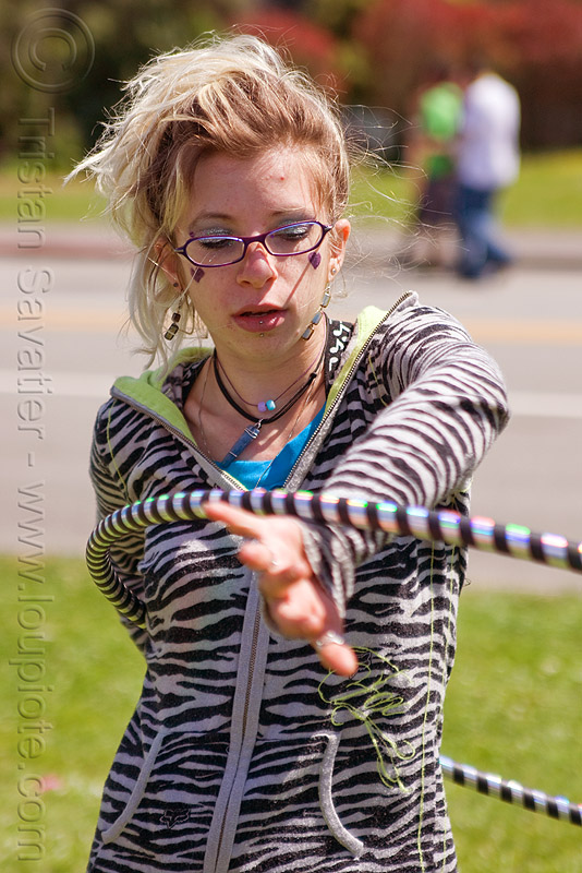cressie mae hooping, bay to breakers, cressie mae, hula hoop, street party, woman