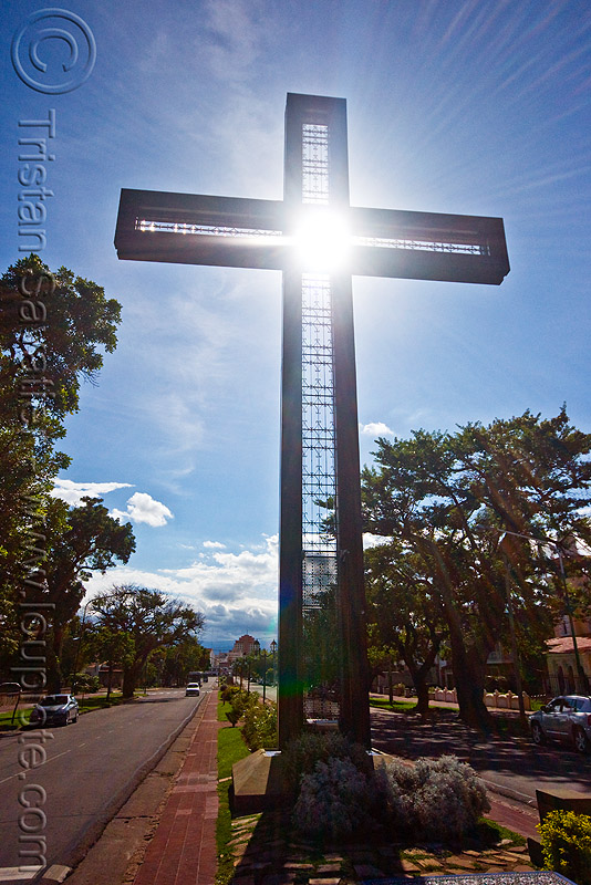 cross monument - salta (argentina), backlight, noroeste argentino, sun
