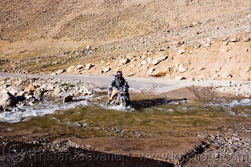 crossing a pretty deep nullah - road to chang-la pass - ladakh (india), 500cc, chang pass, fording, man, motorbike touring, motorcycle touring, mountains, people, river bed, river crossing, royal enfield bullet, stream, water