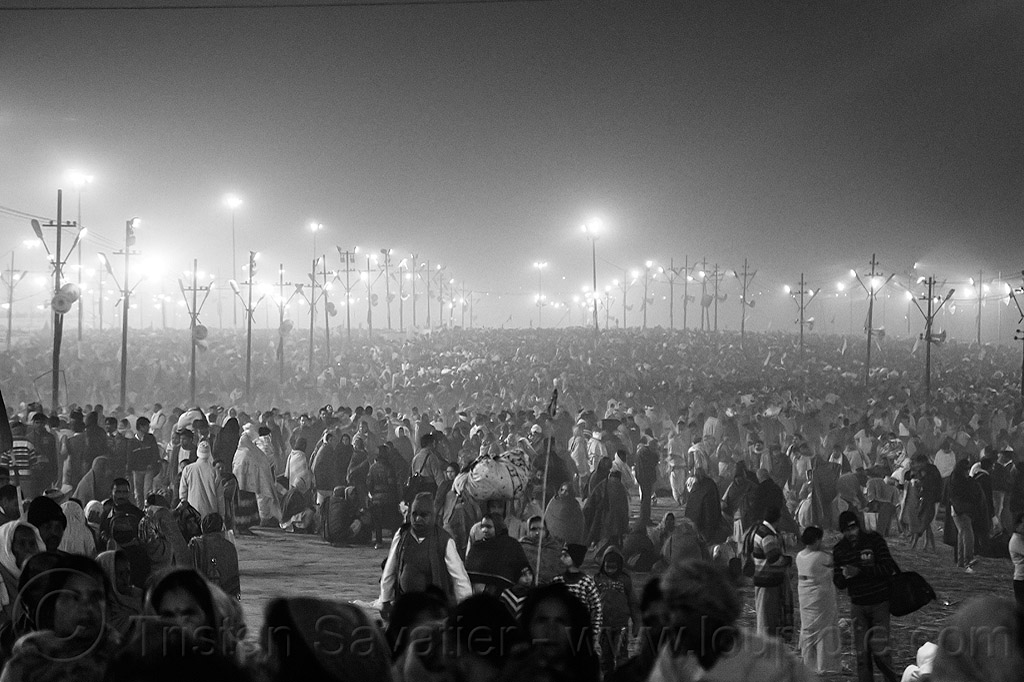crowd of hindu pilgrims gathering at night at kumbh mela (india), crowd, hindu pilgrimage, hinduism, india, kumbh maha snan, maha kumbh mela, mauni amavasya, night, standing, triveni sangam, walking