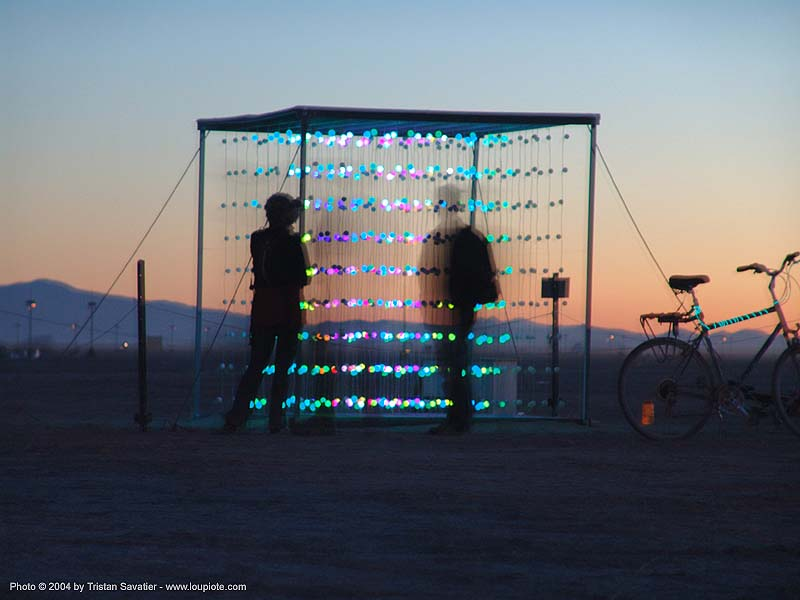 the cubatron by mark lottor - burning-man 2004, art, art installation, burning man, cube, network wizards