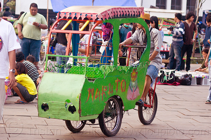 cycle-powered amusement ride for small kids, amusement ride, bicycle, bike, eid ul-fitr, fatahillah square, indonesia, jakarta, taman fatahillah