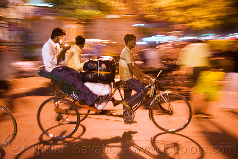 cycle rickshaw - delhi (india), moving, night, people, street, tricycle, wallahs
