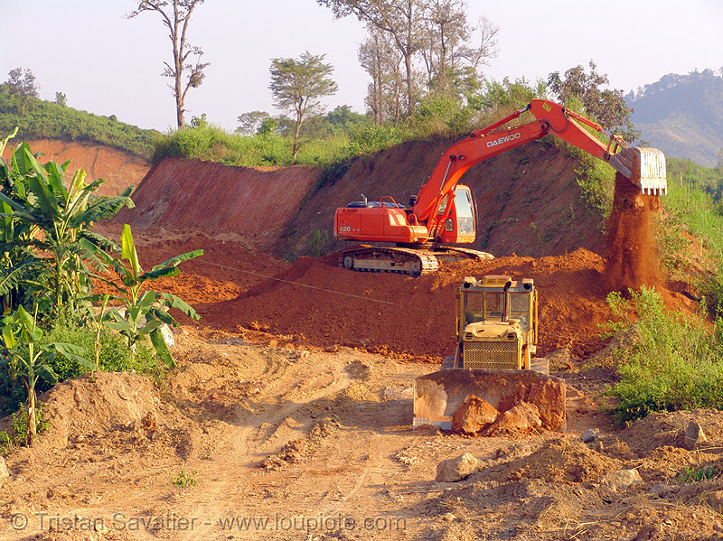daewoo S220LC-V excavator - road construction - vietnam, at work, daewoo excavator, daewoo s220lc-v excavator, dirt road, earth road, groundwork, heavy equipment, hydraulic, machinery, road construction, roadworks, track, unpaved, working