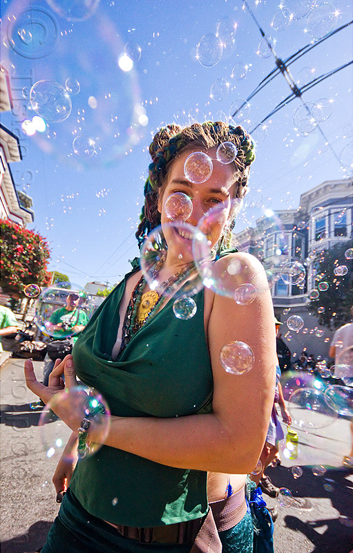 dancing in soap bubbles, carolina, haight street fair, people, woman