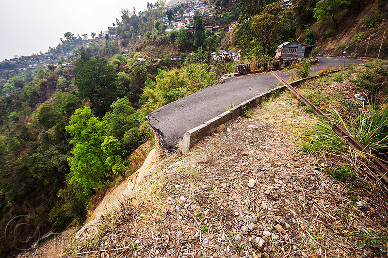darjeeling road cut by landslide (india), broken, mountain road, tindharia, tindharia landslide