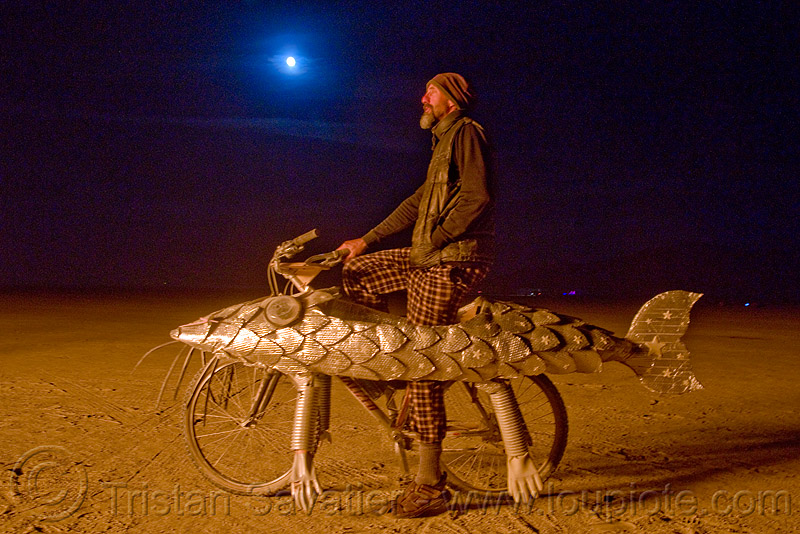 darwin fish bicycle - fish bike - burning man 2009, art car, burning man, darwin fish, doug, fish bicycle, fish bike, full moon, night, walking fish