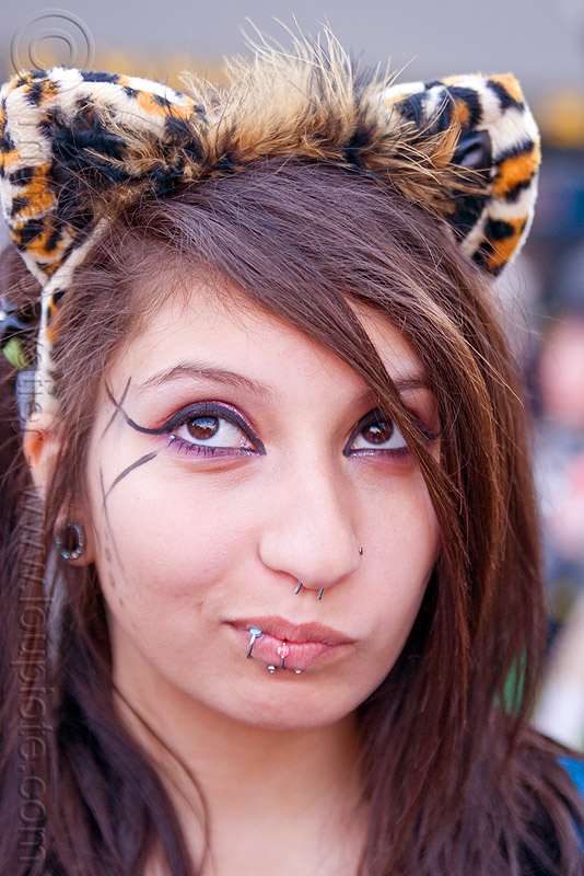 devin with tiger ears headband, cat ears headband, devin, how weird festival, woman