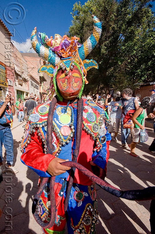 diablo carnavalero - mask and horns, andean carnival, argentina, careta de diablo, colorful, confettis, costume, diablo carnavalero, diablo de carnaval, folklore, indigenous culture, man, mask, mirrors, noroeste argentino, quebrada de humahuaca, quechua culture, serpentine throws, tilcara, tribal