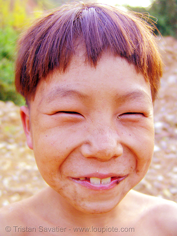 do I look chinese? - vietnam, child, hill tribes, indigenous, kid, man, people