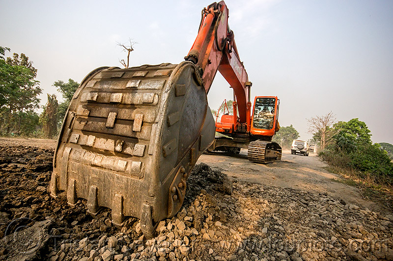 doosan excavator DX225LC scraping off old asphalt (india), alphalt, asphalt removal, at work, bucket attachment, demolition, doosan excavator, dx225lc, excavator bucket, old asphalt, old bitumen, old macadam, pavement, ripping up, road construction, scraping off, west bengal, working