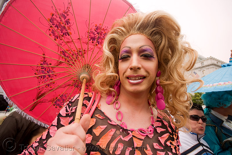 drag queen - gay pride (san francisco), crossdressing, drag queen, gay pride 2008, gay pride festival, guy, man, sf gay pride, transvestite, umbrella