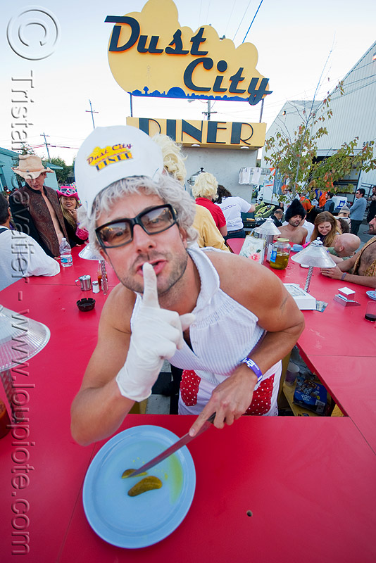 dust-city diner - burning man decompression 2008 (san francisco), burning man decompression, dust-city diner, guy, pickle, waiter