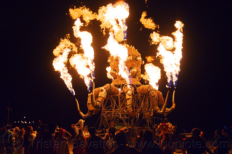 el pulpo mecanico art car - burning man 2012, burning man, el pulpo mecanico, fire, flames, metal, night, octopus art car, sculpture, steampunk octopus