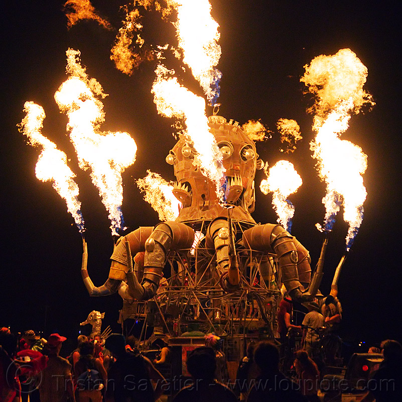 el pulpo mecanico, flames, night, octopus art car, sculpture, steampunk octopus