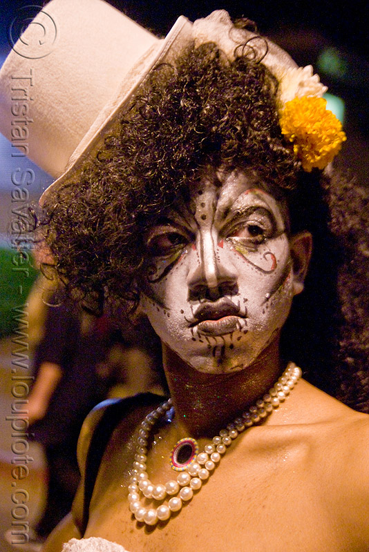 face paint - dia de los muertos - halloween (san francisco), crossdressing, day of the dead, dia de los muertos, drag queen, face painting, facepaint, halloween, hat, makeup, man, necklace, night, perls, transvestite