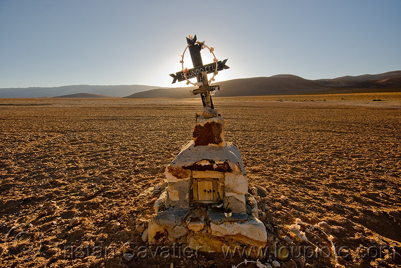 facundo cruz - lonely tomb in the desert, altiplano, backlight, cross, grave, noroeste argentino, pampa, sunset