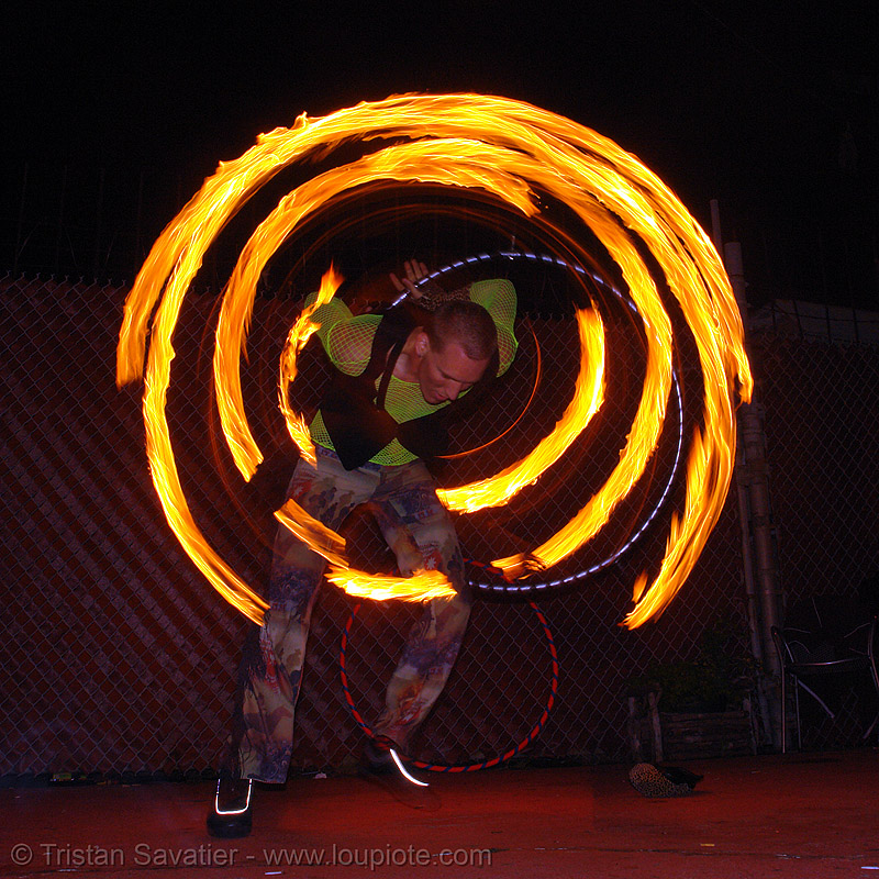 fire hulahoop - LSD fuego, fire dancer, fire dancing, fire hula hoop, fire performer, fire poi, fire spinning, flames, hula hooping, long exposure, los sueños del fuego, lsd fuego, night, spinning fire