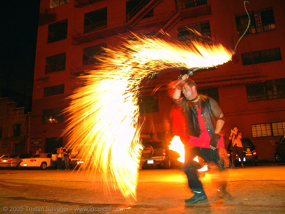 fire whip, fire dancer, fire dancing, fire performer, fire spinning, flames, long exposure, los sueños del fuego, lsd fuego, night, people
