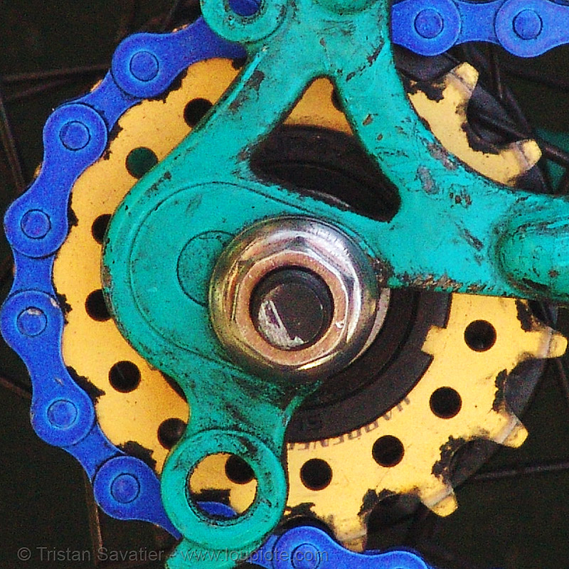 fixie - fixed gear bike sprocket and chain, bicycle chain, bicycle gear, bicycle sprocket, blue, fixed gear bike, fixie bike, golden color, track bike, yellow