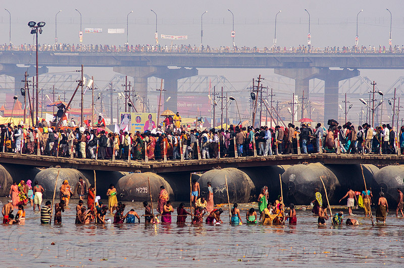 floating bridge over ganges river - kumbh mela (india), crowd, floating bridge, ganga, ganges river, hindu pilgrimage, hinduism, holy bath, holy dip, india, kumbh maha snan, maha kumbh mela, mauni amavasya, nadi bath, pontoon bridge, river bathing