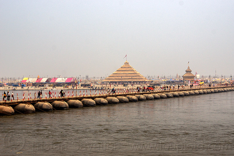floating bridge (pontoon bridge) over the ganges river - kumbh mela 2013 (india), ashrams, floating bridge, foot bridge, ganga river, ganges river, hindu, hinduism, infrastructure, kumbha mela, maha kumbh mela, metal tanks, pontoon bridge, pyramid, walking, water