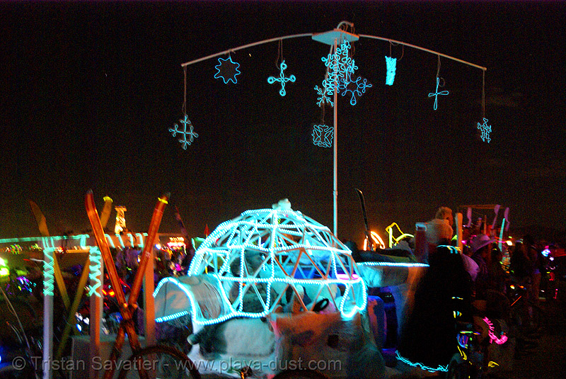floe, from camp fimbulvinter - burning man 2007, art car, burning man, camp fimbulvinter, el-wire, electroluminescent wire, floe, igloo, night