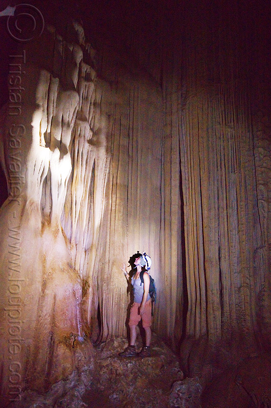 flowstone - cave formations in mulu - racer cave (borneo), cave formations, cavers, caving, concretions, flowstone, gunung mulu national park, natural cave, racer cave, speleothems, spelunkers, spelunking, stalactites, wall