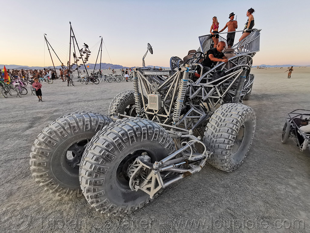 flux capacitor art car - burning man 2019, burning man, flux capacitor art car, henry chang, mutant vehicles