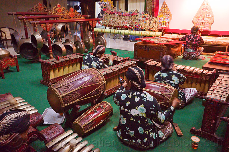 gamelan ensemble, drums, gongs, java, jogja, jogjakarta, karawitan, men, metallophones, music, musical, orchestra, people, percussion, players, shadow play, shadow puppet theatre, shadow puppetry, shadow puppets, shadow theatre, sitting, wayang, wayang kulit, xylophones, yogyakarta