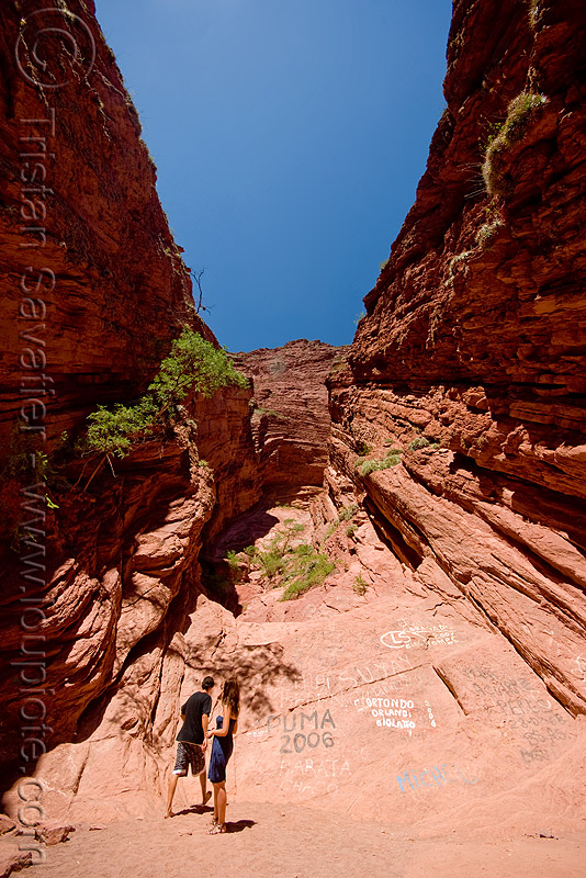 garganta del diablo - quebrada de las conchas, near cafayate (argentina), argentina, aurelie, aurélie, calchaquí valley, canyon, cliffs, garganta del diablo, mountains, noroeste argentino, quebrada de cafayate, quebrada de las conchas, rock, valles calchaquíes, woman