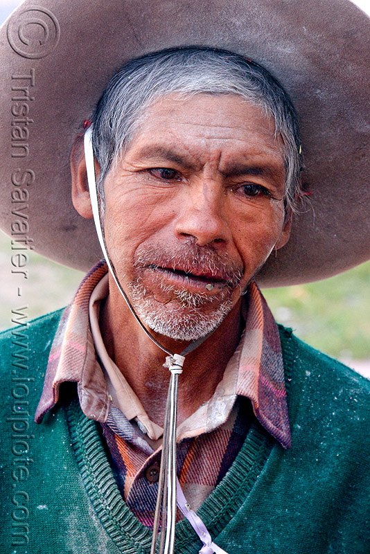 gaucho (argentina), abra pampa, andean carnival, carnaval, folklore, hat, man, noroeste argentino, old, old man, people, quebrada de humahuaca