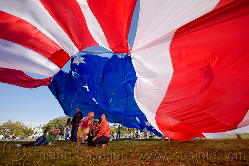 giant american flag - dolores park (san francisco), american flag, children, dolores park, giant flag, kid, the flag project, us flag