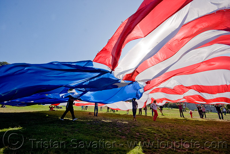 giant american flag - dolores park (san francisco), the flag project, us flag