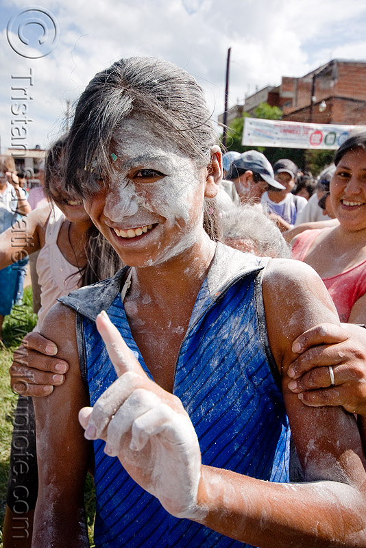 girl covered with white talk powder - carnaval - carnival in jujuy capital (argentina), andean carnival, argentina, jujuy capital, noroeste argentino, san salvador de jujuy, talk powder, white, woman