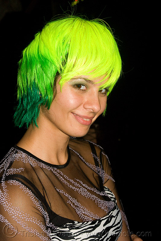 green hair, ghostship 2008, green hair, halloween, neon green, neon yellow, rave party, space cowboys, wig, woman