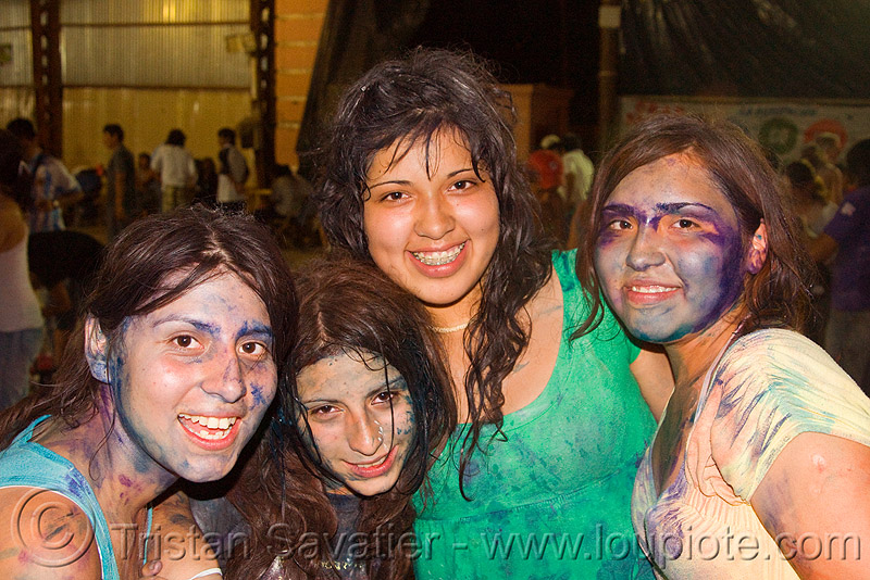 girls partying at the carnaval in jujuy capital (argentina), carnaval, carnival, face painting, facepaint, friends, girls, jael, jujuy capital, natalia, naty, noroeste argentino, paint, party, san salvador de jujuy, women