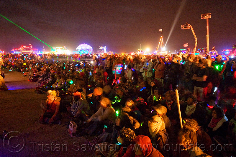 glowing crowd around the man - night of the burn - burning man 2009, people