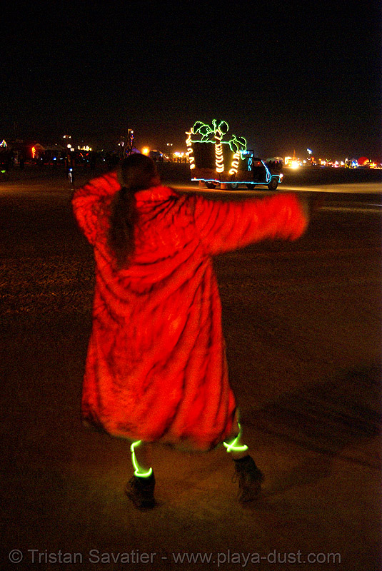 glowing fur coat - burning man 2007, glowfur, night, people, red