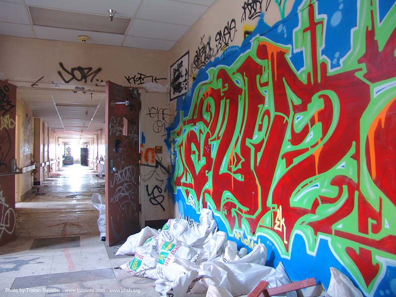 graffiti - abandoned hospital (presidio, san francisco) - phsh, abandoned building, decay, presidio hospital, presidio landmark apartments, trespassing, urban exploration