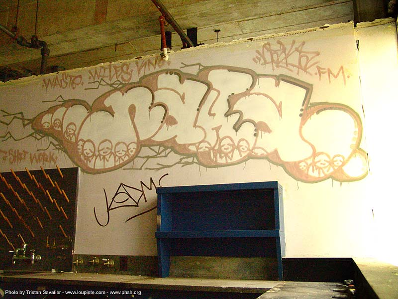 graffiti - naka - abandoned hospital (presidio, san francisco) - phsh, abandoned building, abandoned hospital, graffiti, naka, presidio hospital, presidio landmark apartments, trespassing