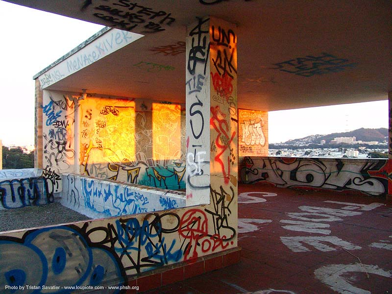 graffiti - roof - abandoned hospital (presidio, san francisco) - phsh, abandoned building, abandoned hospital, decay, graffiti, presidio hospital, presidio landmark apartments, roof, tags, tie, trespassing