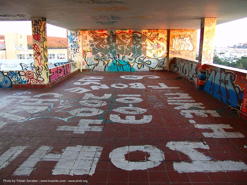 graffiti - roof - abandoned hospital (presidio, san francisco) - phsh, abandoned building, decay, presidio hospital, presidio landmark apartments, trespassing, urban exploration, stock photo