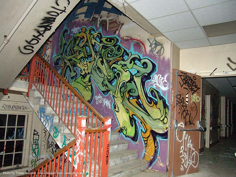 graffiti - stairway - abandoned hospital (presidio, san francisco) - phsh, abandoned building, abandoned hospital, decay, graffiti, presidio hospital, presidio landmark apartments, staiways, trespassing