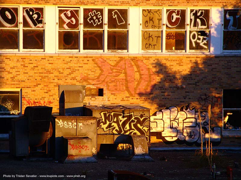 graffiti - windows - abandoned hospital (presidio, san francisco) - phsh, abandoned building, abandoned hospital, decay, graffiti, presidio hospital, presidio landmark apartments, trespassing, window
