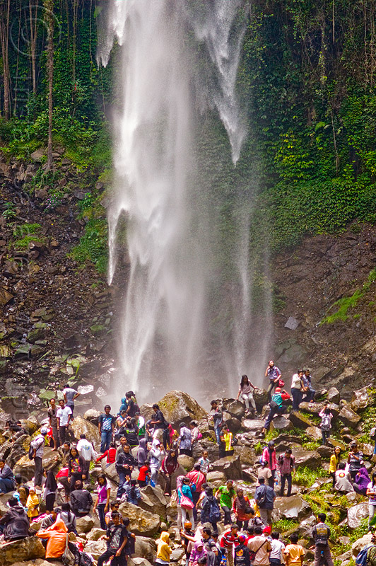 grojogan sewu waterfall, crowd, falls, grojogan sewu, java, mountains, rocks, water, waterfall