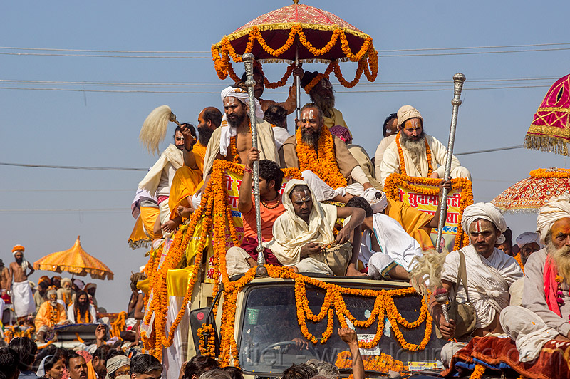 gurus and babas on parade float - kumbh mela (india), crowd, float, gurus, hindu pilgrimage, hinduism, india, kumbh maha snan, maha kumbh mela, mauni amavasya, parade, umbrella