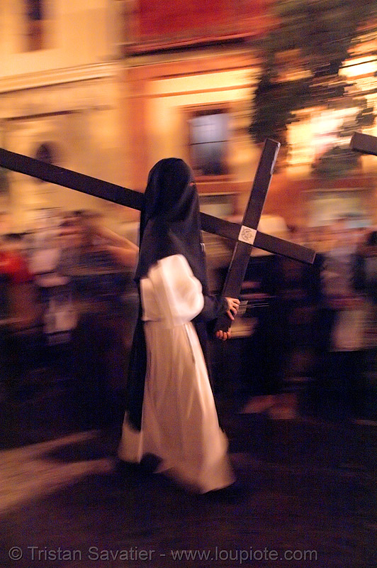 hermandad de la soledad de san lorenzo - semana santa en sevilla, andalucía, candles, capirotes, carrying, cofradía, cross, easter, moving, nazarenos, night, parade, people, procesión, procession, religion