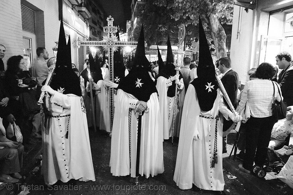 hermandad de monte-sión - semana santa en sevilla, candles, easter, hermandad de monte-sión, holy cross, maltese cross, nazarenos, night, semana santa, sevilla